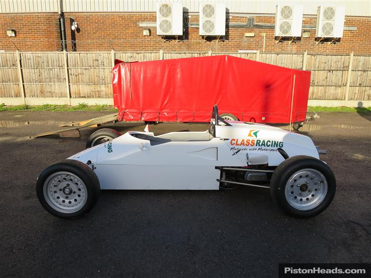 race-cars-single-seaters-S961170-6